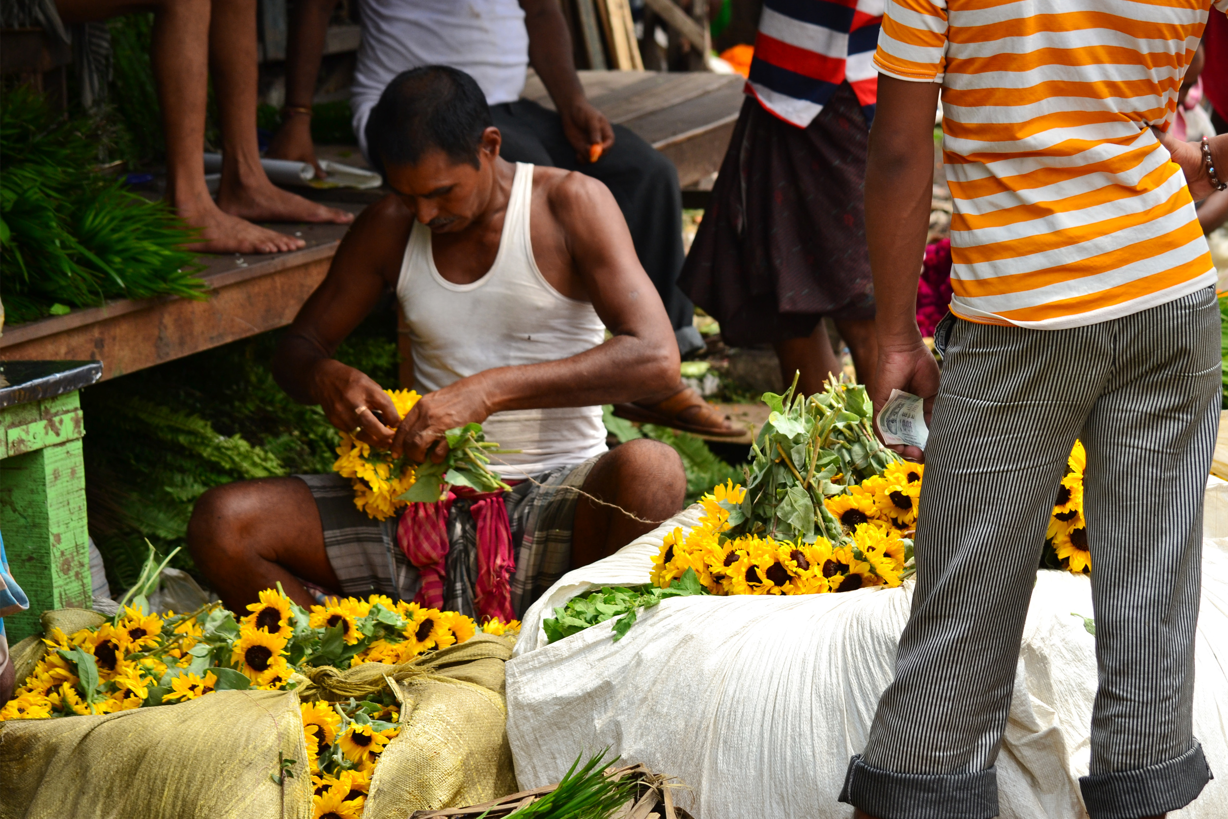 Flower Market at Mallik Ghat